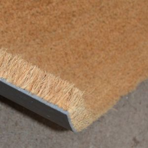 le tapis brosse coco ou le traditionnel paillasson. Black Bedroom Furniture Sets. Home Design Ideas